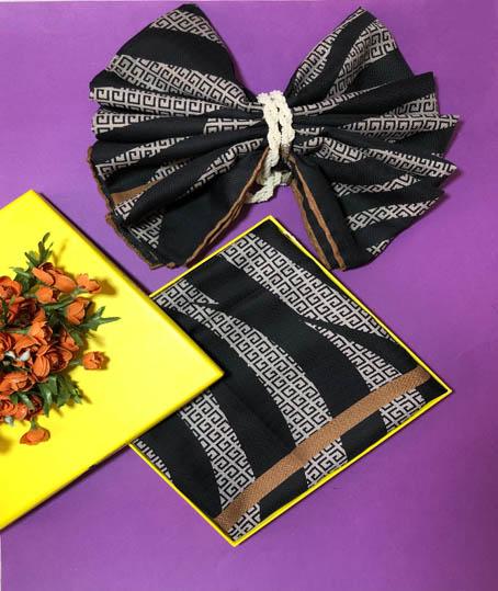 روسری نخی جیوانچی اصل کد 7630
